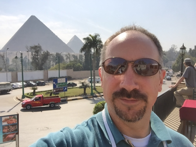 Background pyramids - Brandon